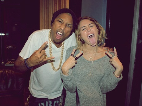 """Come Get It Bae"": Pharrell Williams lançará dueto com Miley Cyrus como single"